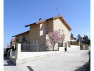 Chalet en venta en Lozoyuela-navas-sieteiglesias de 186  m²